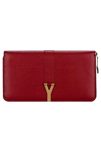 червена чанта на Yves Saint Laurent 2012