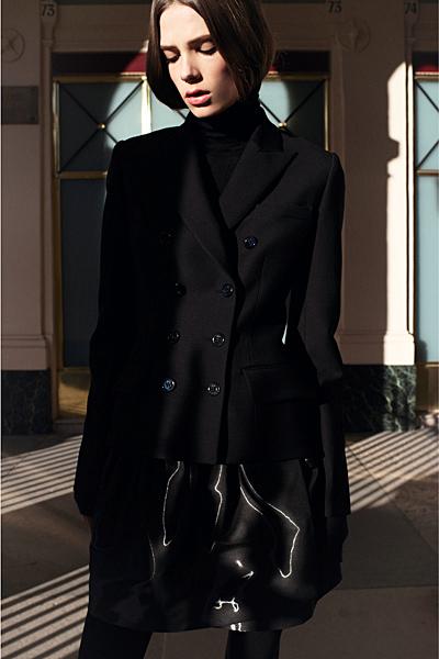 Набрана пола и дълго черно сако Dior Предесенна колекция 2012