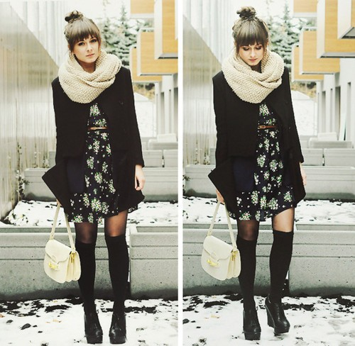 Зимен тоалет с рокля и дълги топли чорапи зима 2012