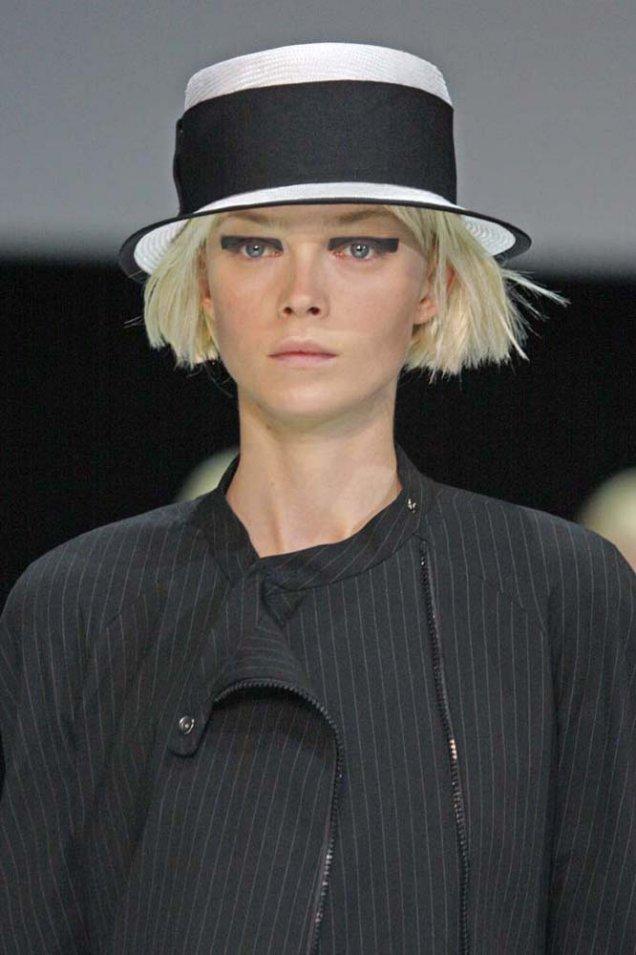 Emporio Armani шапка плетена с плосък връх и широка лента