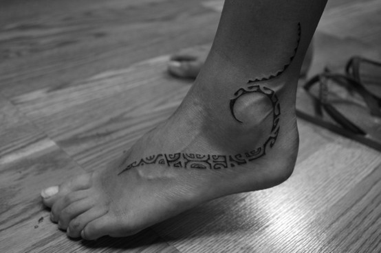 Татуировка по глезена и ходилото