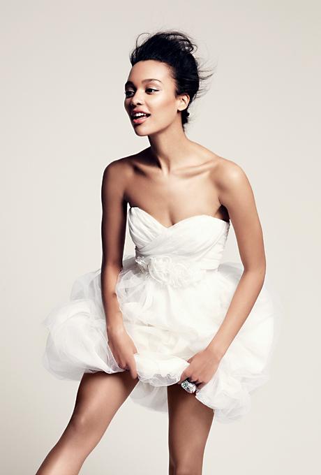 Къса булчинска рокля без презрамки Vera Wang Есен 2012