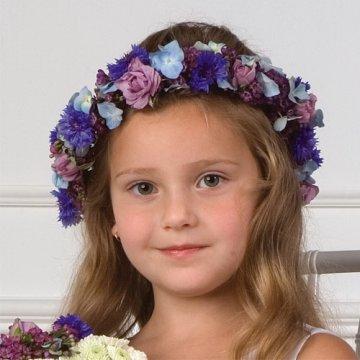 Детска прическа с венец от цветя