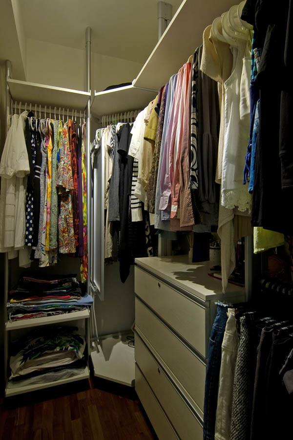 Апартаментът на една жена  дрешник