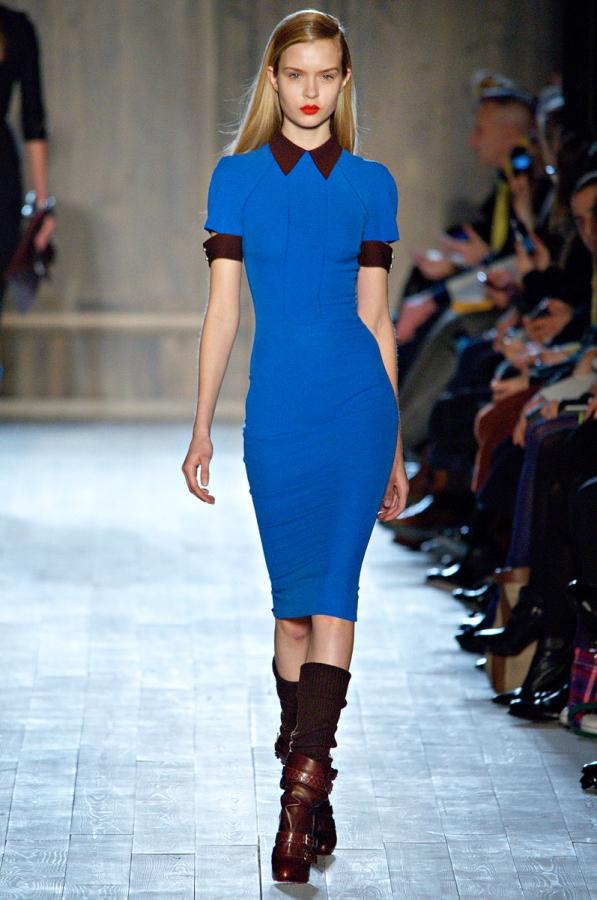 Турско синя рокля по тялото с яка Victoria Beckham есен-зима 2012