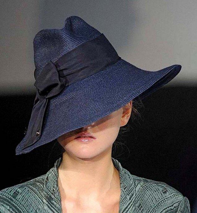 Armani конусовидна шапка с периферия и панделка - Седмица на модата МИлано