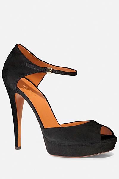 Черни изрязани обувки на ток с каишка около глезена Gucci Лято 2012