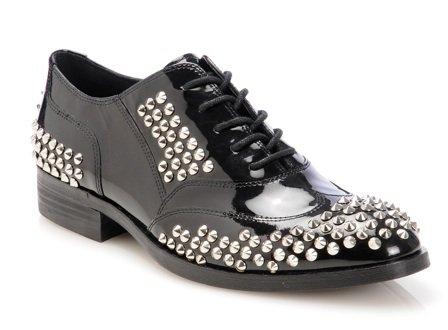 обувки с капси на Мадона