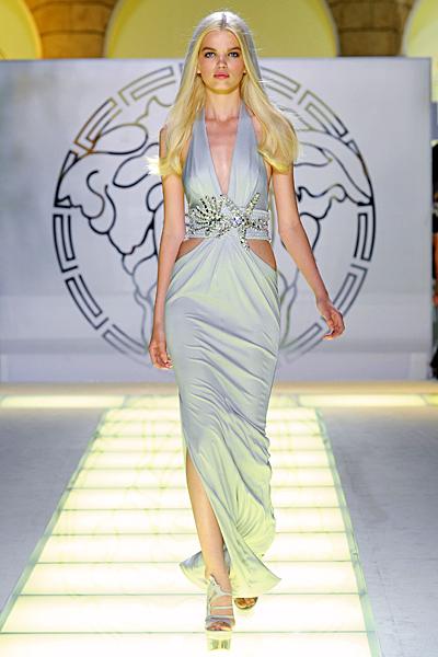 Бледо сива дълга рокля Versace Пролет и лято 2012