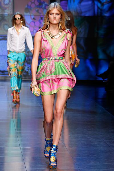 Къса шарена рокля розово и зелено D and G пролет-лято 2012