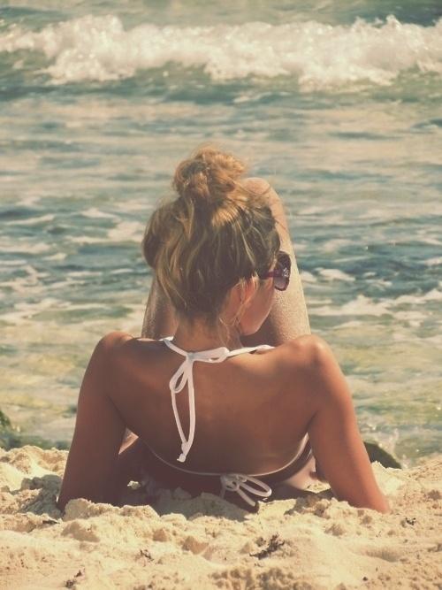 Сама с морето