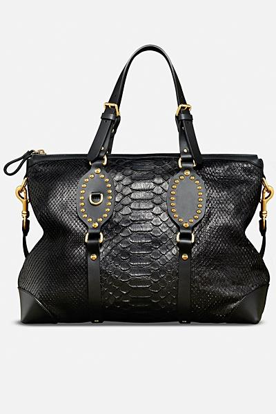 черна чанта на Gucci