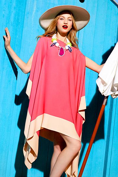 Розова рокля къса тип пончо Dior ваканционна колекция 2012