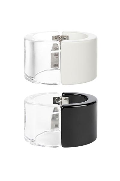 Сет две гривни с бяло и с черно и прозрачна половина Emporio Armani за Пролет-Лято 2012