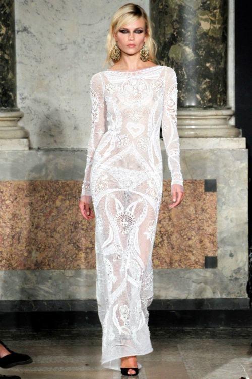 Зашеметяваща дълга дантелена рокля по тялото Emilio Pucci