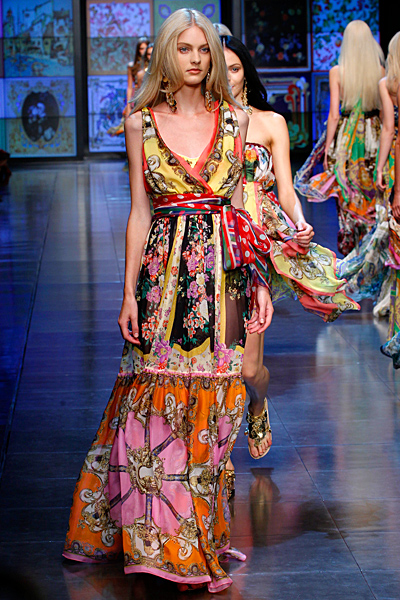 Макси рокля с V-деколте много шарки D and G пролет-лято 2012