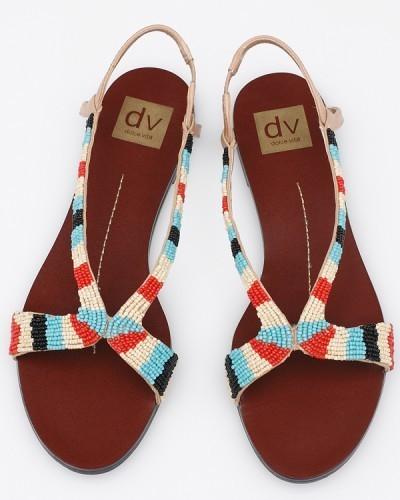 Равни сандали с шарки от редени цветни мъниста
