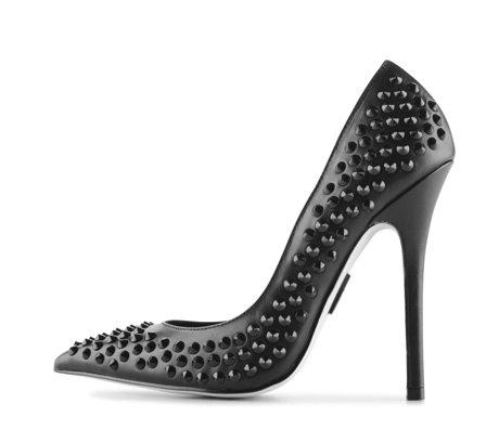 обувки на Мадона