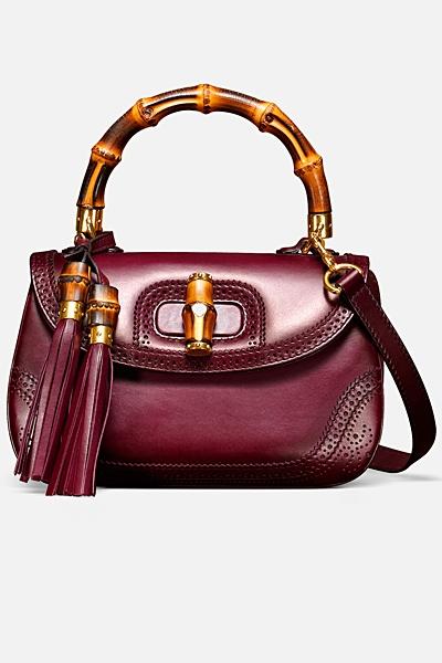 червена чанта на Gucci с дръжка