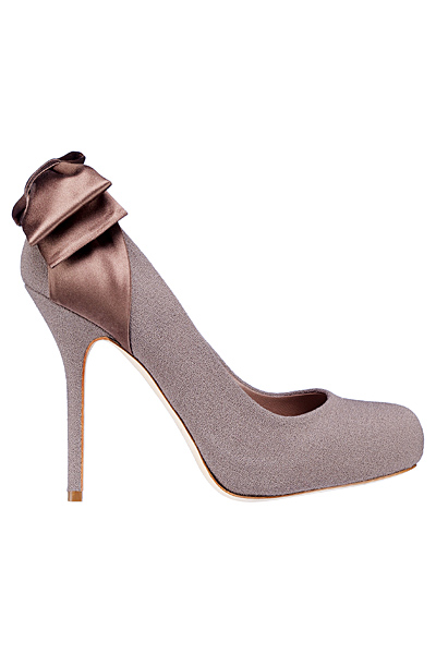 Високи обувки в сиво с панделка зад глезена Dior есен-зима 2012