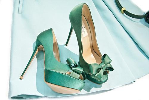 Зелени високи обувки с панделка