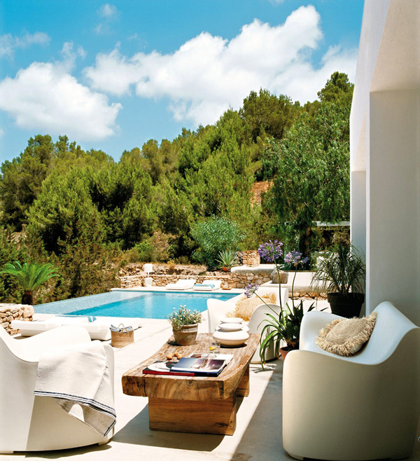Средиземноморска вила с прекрасна тераса