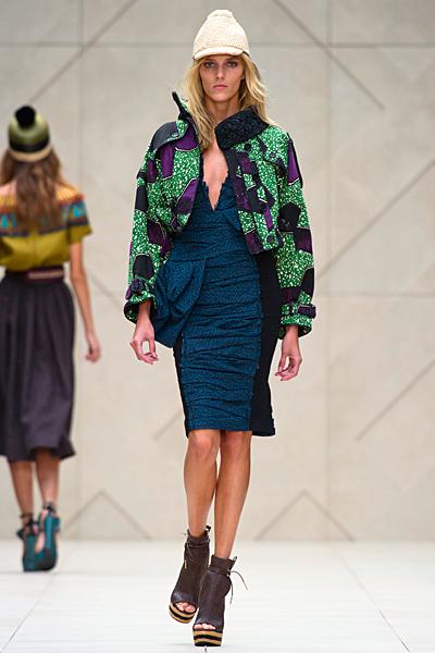 Екстравагантна синя рокля по тялото Пролет-Лято 2012 Burberry