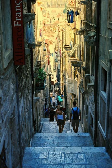 Живописна уличка в Дубровник