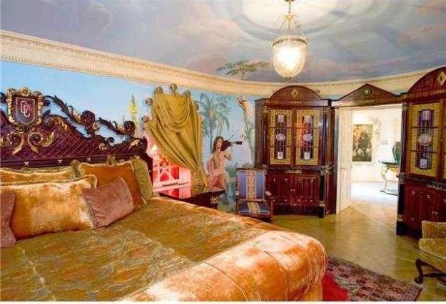 Спалня в имението на Версаче в Маями