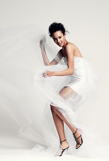 Мини булчинска рокля с воал Anne Bowen Есен 2012