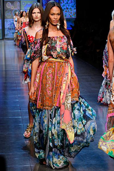 Дълга джипси рокля многоцветна D and G пролет-лято 2012