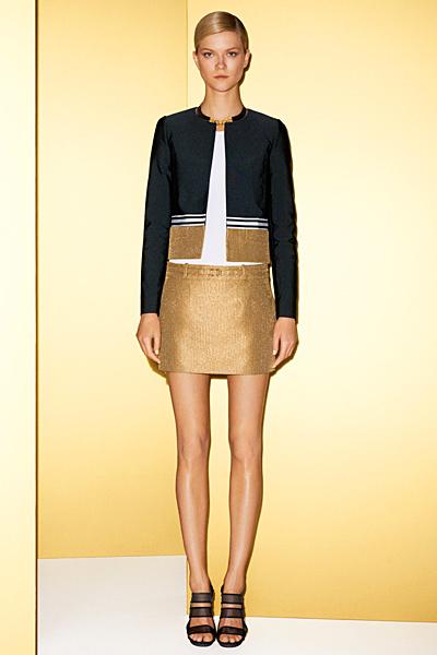 Златиста пола и сако със златиста лента Gucci 2012