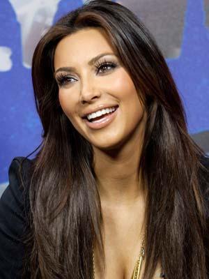 Ким Кардашиян прическа за дълга права коса