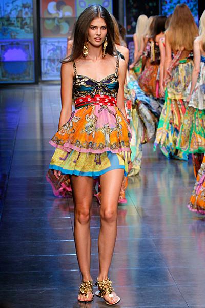 Мини рокля с презрамки шарена D and G пролет-лято 2012