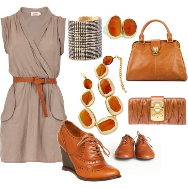 Бежова рокля с аксесоари в светло кафяво