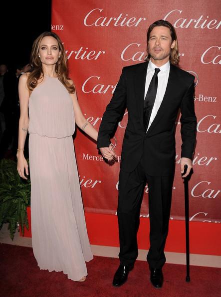 Анджелина Джоли и Брад Пит обявиха годежа си през 2012