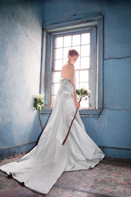 Копринена булчинска рокля без ръкави Ines di Santo