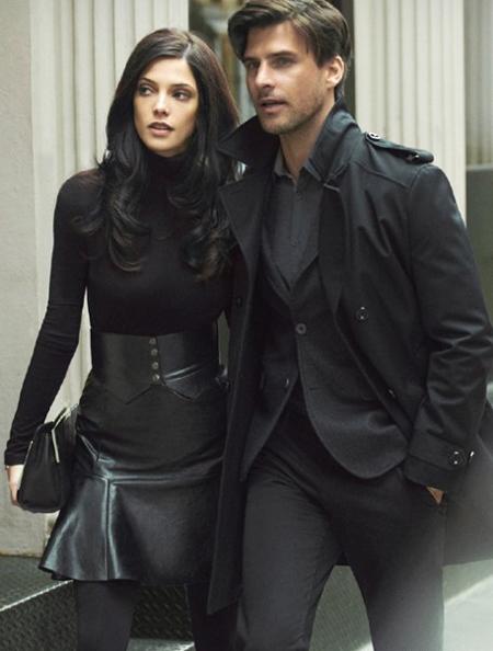 Ашли Грийн в кожена пола с висока талия и черно поло DKNY есен 2012