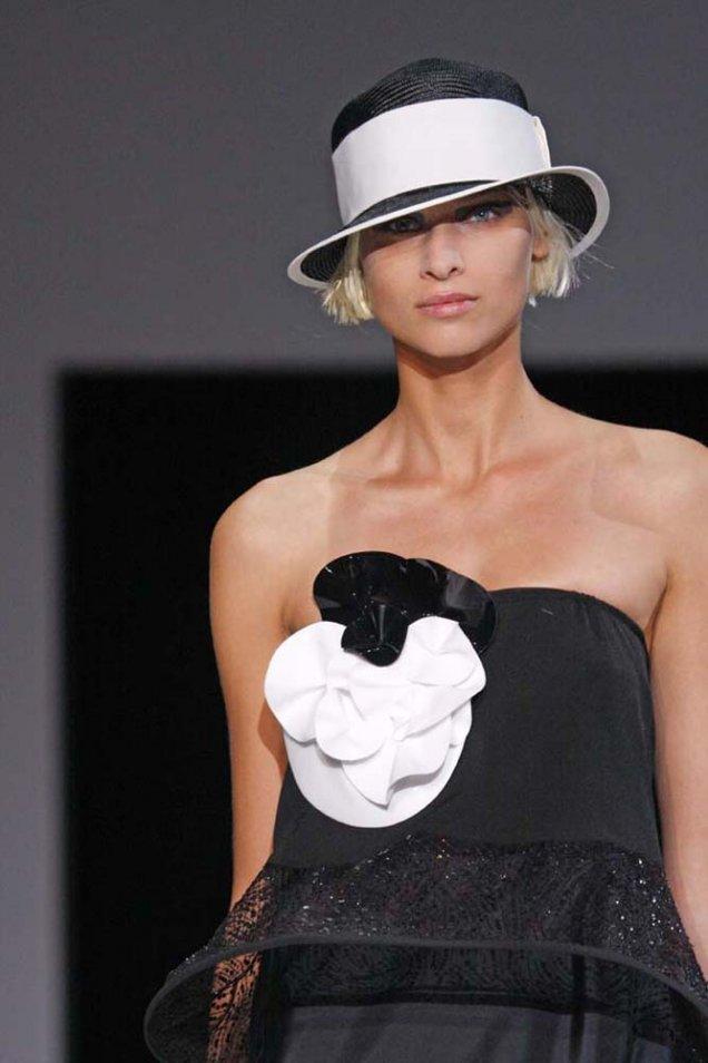 Emporio Armani малка плетена шапка