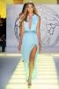 Дълга небесно синя рокля със секси изрязан процеп Versace Пролет и лято 2012