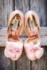 Бледо розови булчински обувки Badgley Mischka