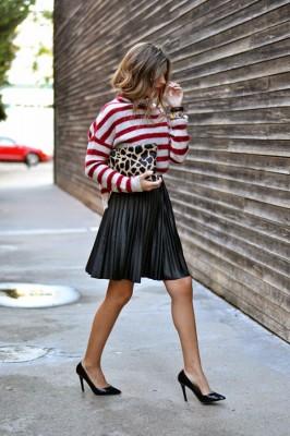 Плисирана пола с пуловер