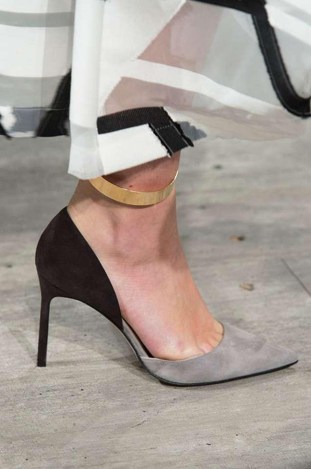 Остри велурени обувки с висок ток 2015