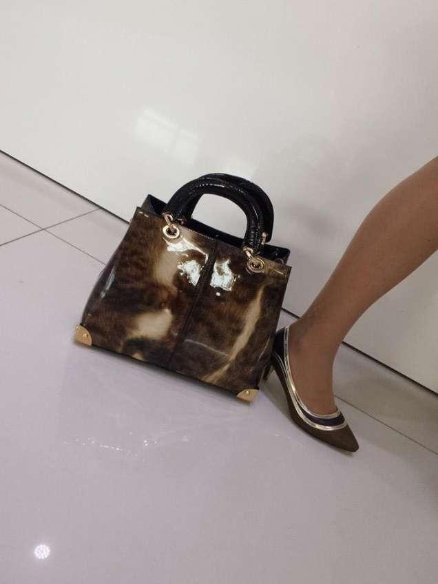 Лачена чанта и обувки с нисък ток 2015
