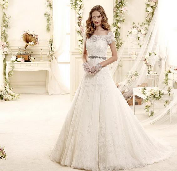 Нежна сватбена рокля 2015