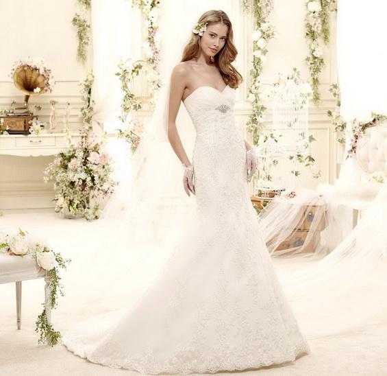 Красив сватбена рокля с бюстие 2015