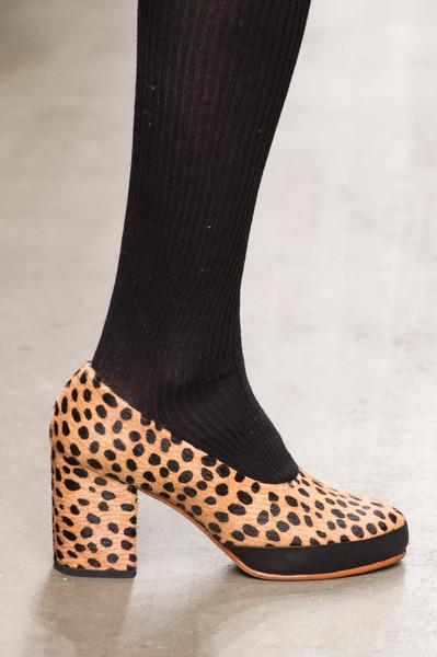 Обувки с дебело токче и принт