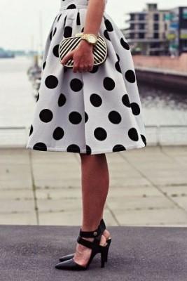 Модерна бяла пола на черни точки 2015