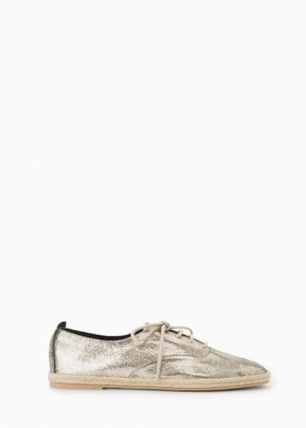 Лъскави сребърни обувки пролет 2015