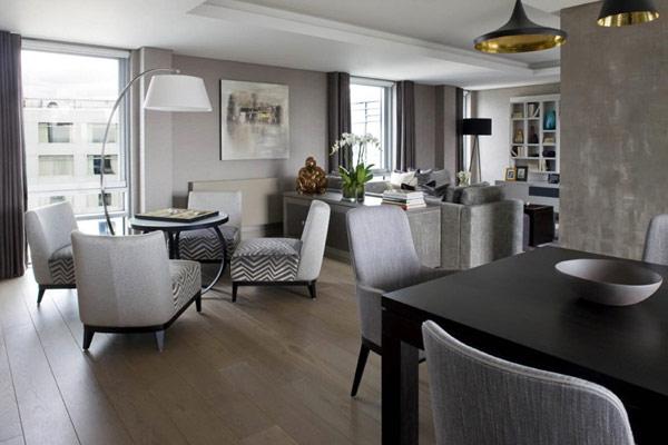 Два апартамента слети в един - маса с 4 стола